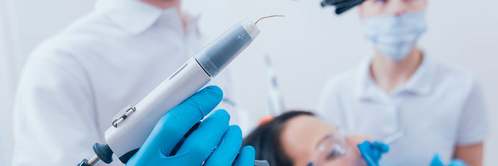 Detail photography of an endodontic instrument