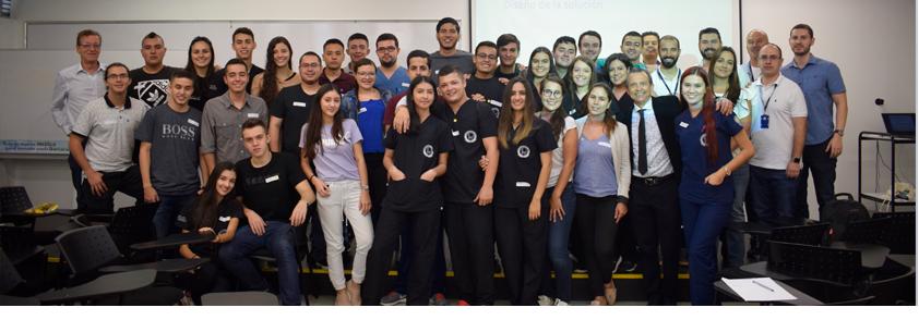 En la fotogragía aparecen los integrantes del Hackathon 2019