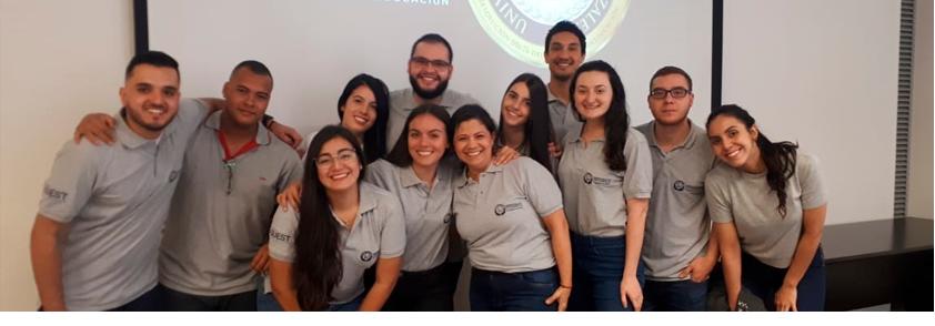 Foto estudiantes participantes del semillero Oral Quest