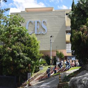 Imagen del edificio C de la Universidad CES