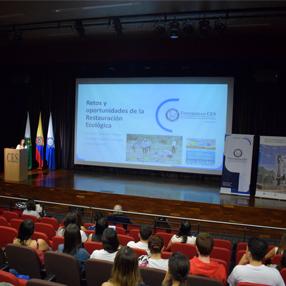 Fotografía del evento realizado en la Universidad CES sobre el Día Mundial de los Océanos 2019