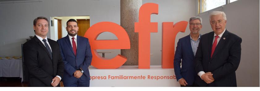 Fotografía de el rector de la Universidad CES, Jorge Julián Osorio Gómez y el director de la iniciativa efr, Roberto Martínez Fernández
