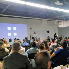 David Calle, exponiendo el proyecto innovador Medical Shape