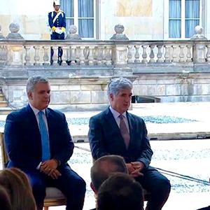 Foto del Dr. Mauricio Vasco en la reunión con el Presidente Iván Duque