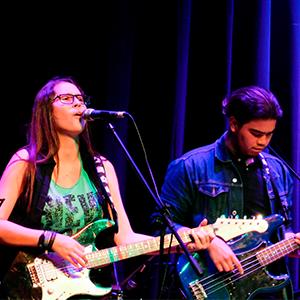 Fotografía del grupo de rock de la Universidad CES