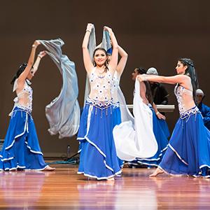 Fotografía del grupo de danza árabe de la Universidad CES