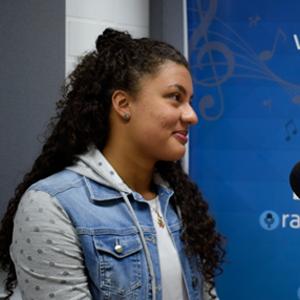 Luisa Fernanda en entrevista en EnlaCES Radio