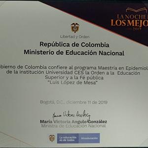 foto del documento donde se reconoce la orden Luis López de Mesa a la Maestría en epidemiologia