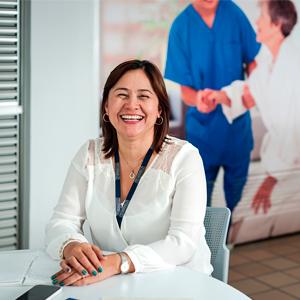 Foto Decana de Enfermería CES