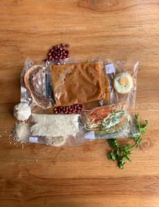 Fotografía de menú Típico empacado al vacío
