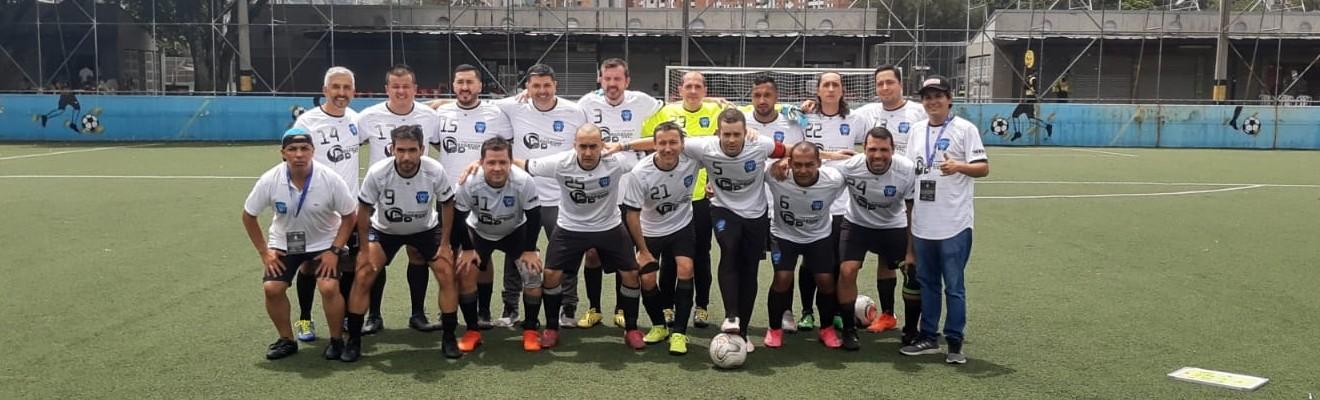 imagen de un equipo de futbol de los juegos de la salud